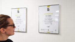 Våra ISO-certifikat är äntligen upp på väggen